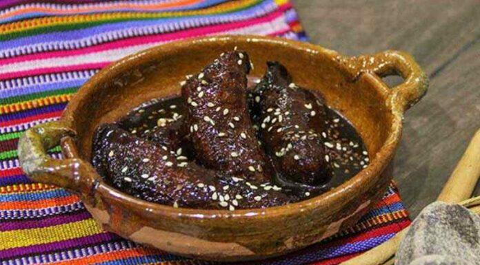 Receta de Mole de Plátano Guatemalteco